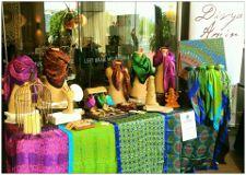 Foto de Divya Amin - Buy Silk Scarves, Spiritual Clothing
